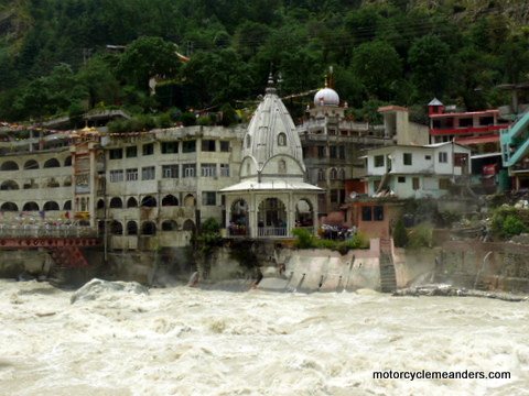 Pilgrimage town of Manikaran in Parvati Valley