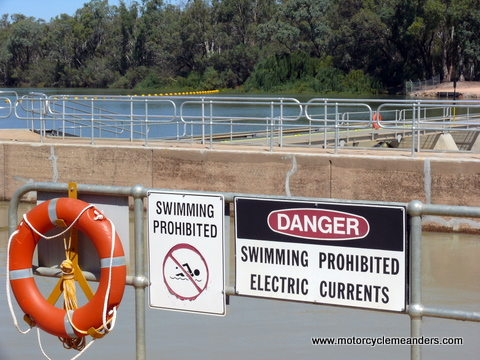 Electric currents at Lock 10 in the Murray