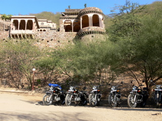 Neemrana fort/palace: our first night