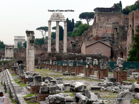 Forum:basilica Julia and columns from temple