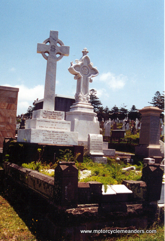 Grave of William and Margaret Crick, Waverly Cemetery